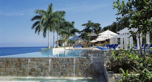 The Infinity Pool At Roundhill, Jamaica - family holidays