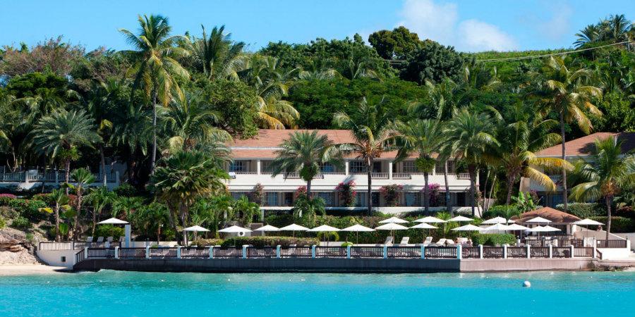 blue-waters-deluxe-beachfront-room-990450
